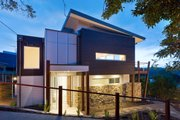 Modern Style House Plan - 3 Beds 2.5 Baths 2282 Sq/Ft Plan #496-21 Exterior - Front Elevation