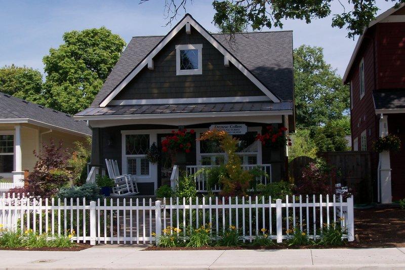 Craftsman Style House Plan - 2 Beds 2 Baths 1356 Sq/Ft Plan #423-51