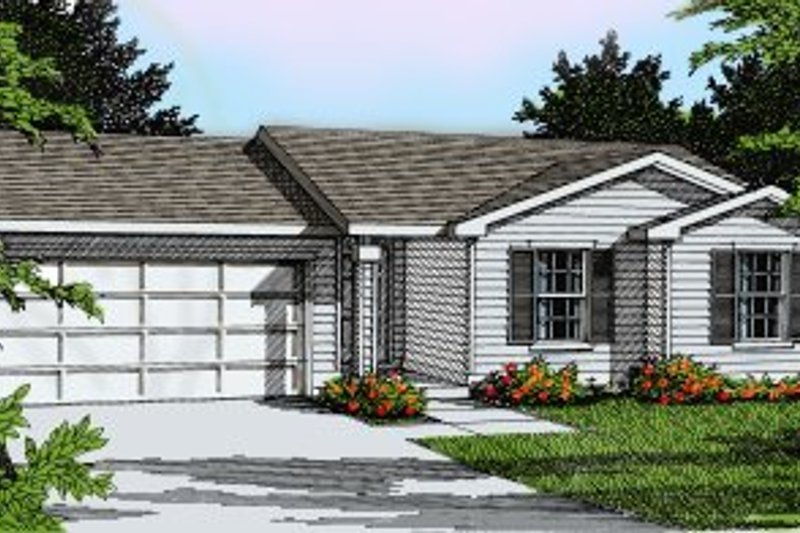 Ranch Style House Plan - 3 Beds 2 Baths 1135 Sq/Ft Plan #92-106 Exterior - Front Elevation