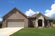 Traditional Style House Plan - 3 Beds 2 Baths 1762 Sq/Ft Plan #430-70 Exterior - Front Elevation