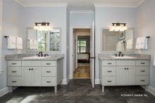 Craftsman Interior - Master Bathroom Plan #929-14