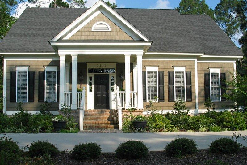 Dream House Plan - Craftsman Exterior - Front Elevation Plan #1054-62
