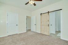 Traditional Interior - Master Bedroom Plan #44-230