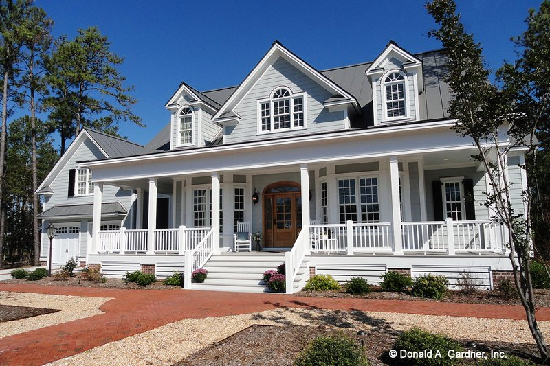 House Plan Design - Country Exterior - Front Elevation Plan #929-699