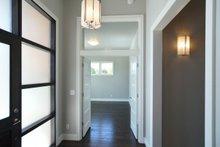 Prairie Interior - Entry Plan #124-1065