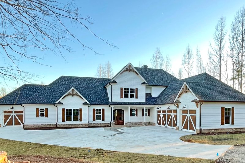 House Plan Design - Craftsman Exterior - Front Elevation Plan #437-111