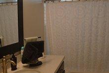 Ranch Interior - Bathroom Plan #1060-43