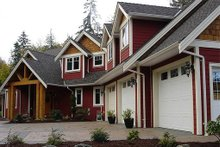 Front View - 2900 square foot Craftsman Home