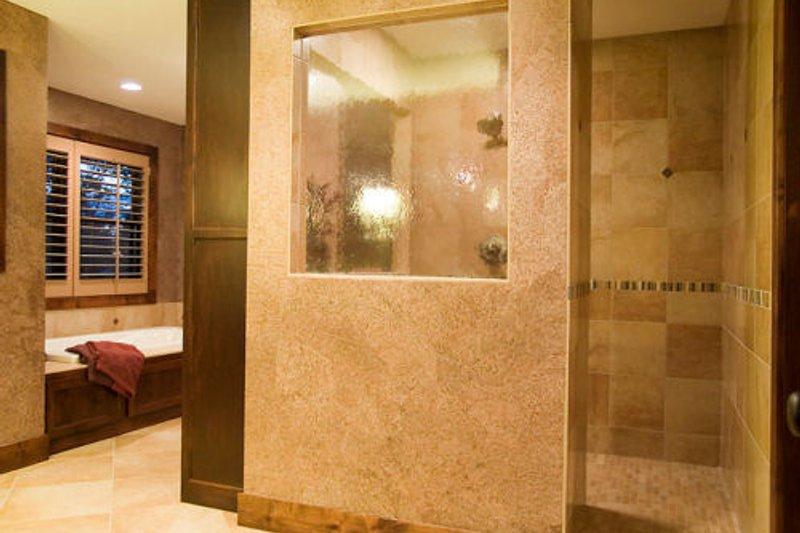 Craftsman Interior - Master Bathroom Plan #56-583 - Houseplans.com