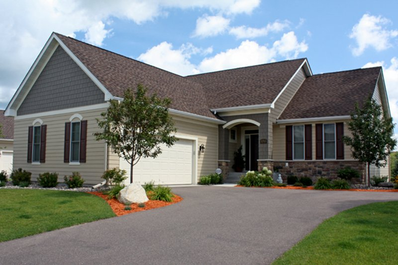 Country Style House Plan - 3 Beds 2.5 Baths 2812 Sq/Ft Plan #51-431 Exterior - Front Elevation