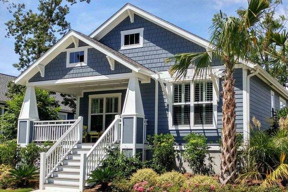 Craftsman Exterior - Front Elevation Plan #461-20