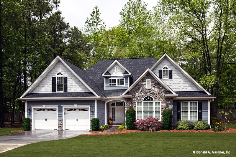 European Style House Plan - 3 Beds 2 Baths 1676 Sq/Ft Plan #929-53 Exterior - Front Elevation