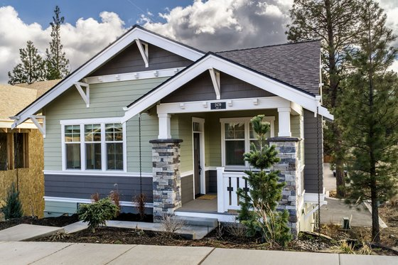 Craftsman Exterior - Front Elevation Plan #895-55