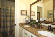 Craftsman Style House Plan - 3 Beds 2 Baths 2320 Sq/Ft Plan #132-200 Interior - Bathroom