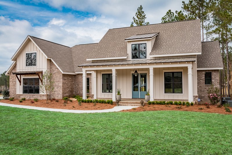 House Design - Farmhouse Exterior - Front Elevation Plan #430-191