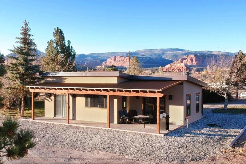 Cabin Exterior - Rear Elevation Plan #924-9