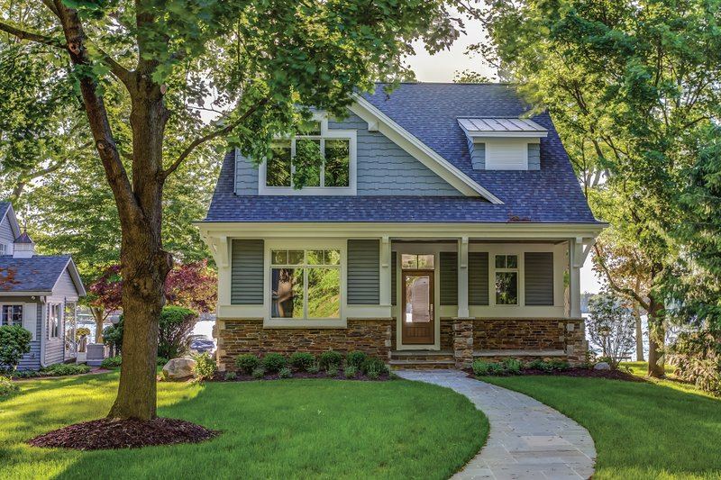 Bungalow Exterior - Front Elevation Plan #928-9 - Houseplans.com