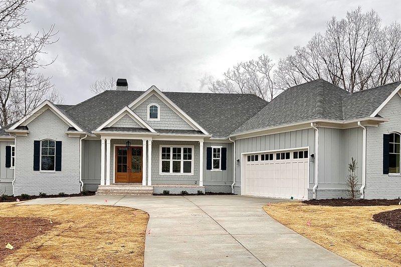Home Plan - Modern Exterior - Front Elevation Plan #437-127