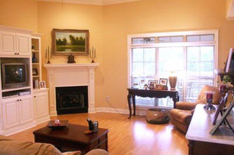 Southern Interior - Family Room Plan #21-102 - Houseplans.com
