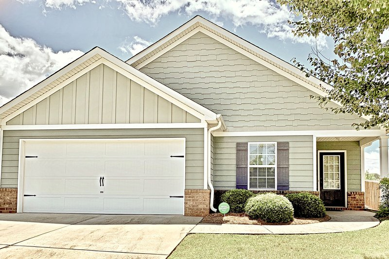 House Plan Design - Craftsman Exterior - Front Elevation Plan #437-99