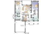 Traditional Style House Plan - 4 Beds 3.5 Baths 2614 Sq/Ft Plan #23-2548 Floor Plan - Main Floor Plan