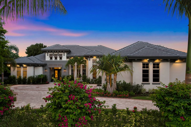 Mediterranean Style House Plan - 4 Beds 4 Baths 3869 Sq/Ft Plan #27-553 Exterior - Front Elevation