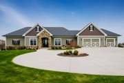 Ranch Style House Plan - 4 Beds 4 Baths 2609 Sq/Ft Plan #70-1501 Exterior - Front Elevation