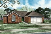 Traditional Style House Plan - 3 Beds 2 Baths 1461 Sq/Ft Plan #17-117 Exterior - Front Elevation