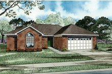 Home Plan Design - Traditional Exterior - Front Elevation Plan #17-117
