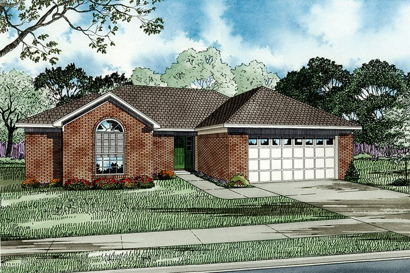 Traditional Exterior - Front Elevation Plan #17-117 - Houseplans.com