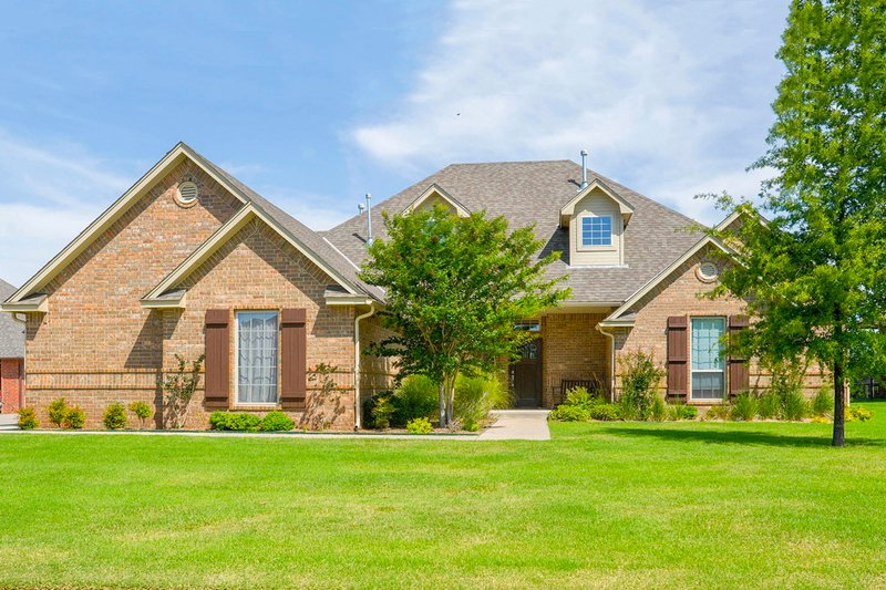 European Style House Plan - 4 Beds 3.5 Baths 2650 Sq/Ft Plan #65-185 Exterior - Front Elevation