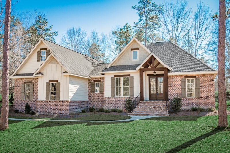 Country Style House Plan - 3 Beds 2 Baths 2239 Sq/Ft Plan #430-167 Exterior - Front Elevation