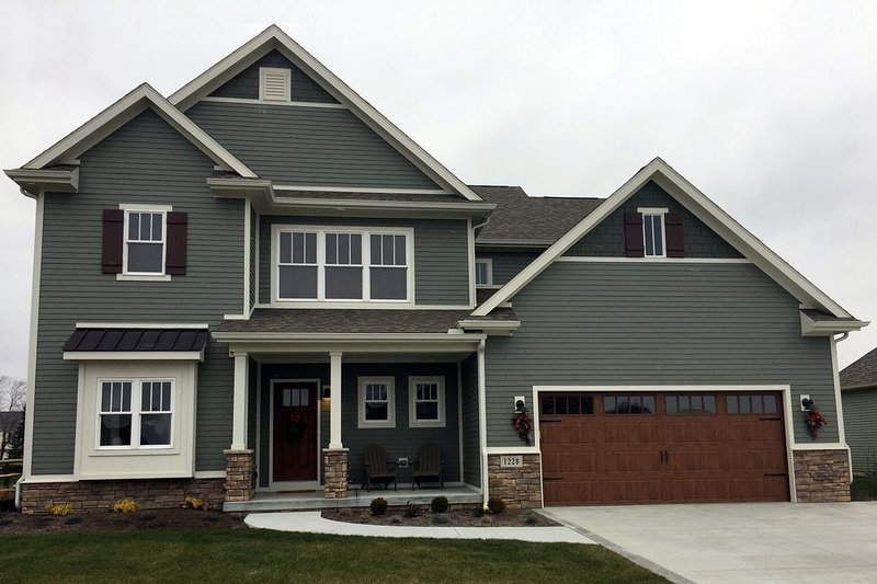 Dream House Plan - Traditional Exterior - Front Elevation Plan #20-2278