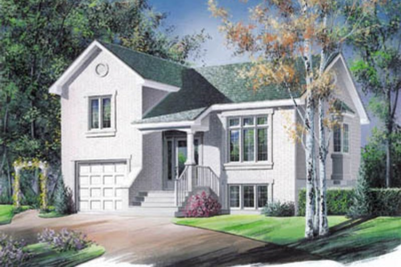 Traditional Exterior - Front Elevation Plan #23-1024 - Houseplans.com