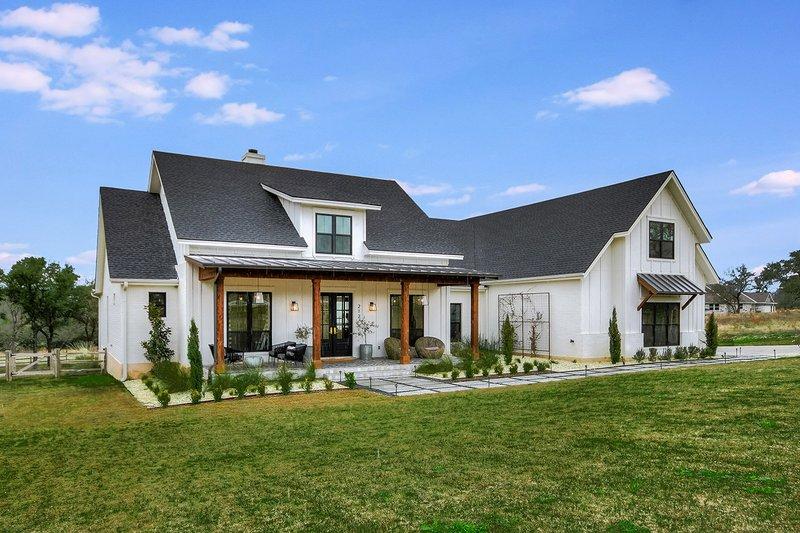 Dream House Plan - Farmhouse Exterior - Front Elevation Plan #430-156