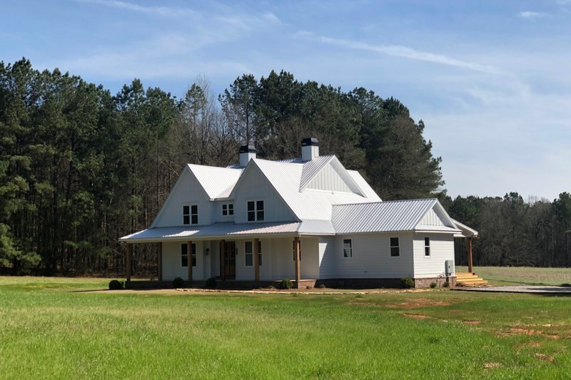 Dream House Plan - Farmhouse Exterior - Front Elevation Plan #928-350