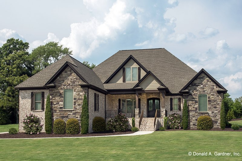 House Plan Design - Country Exterior - Front Elevation Plan #929-556