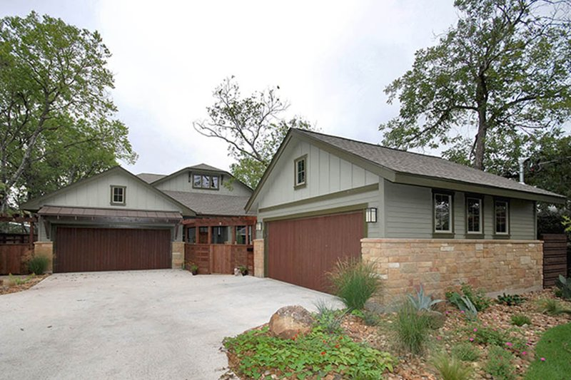 Home Plan - Craftsman Exterior - Front Elevation Plan #935-3