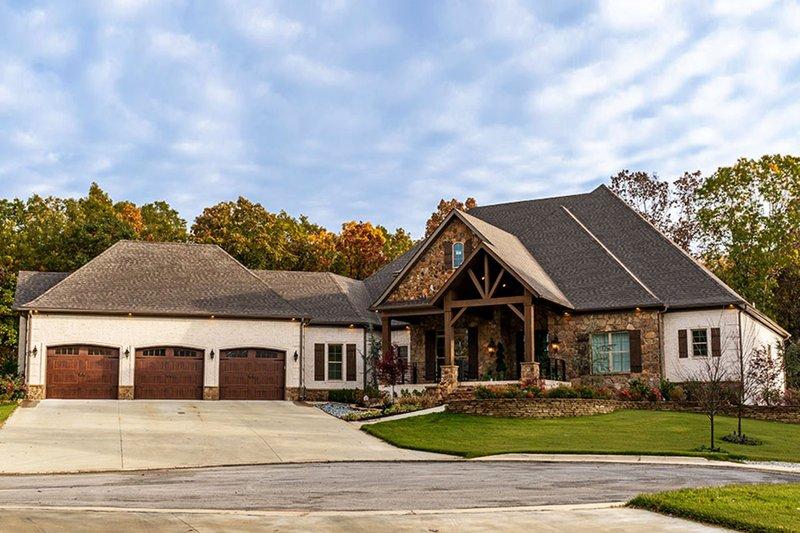 House Plan Design - Craftsman Exterior - Front Elevation Plan #923-110