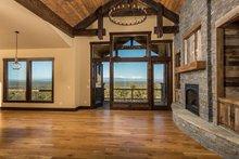 Ranch Interior - Family Room Plan #895-29