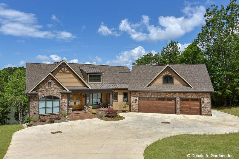 House Plan Design - Craftsman Exterior - Front Elevation Plan #929-1040