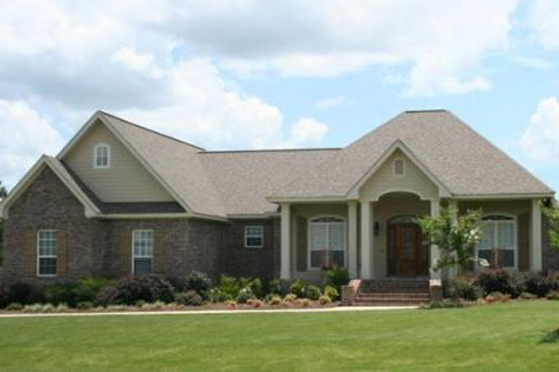 Traditional Exterior - Front Elevation Plan #21-272 - Houseplans.com
