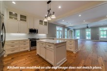 Craftsman Interior - Kitchen Plan #430-174