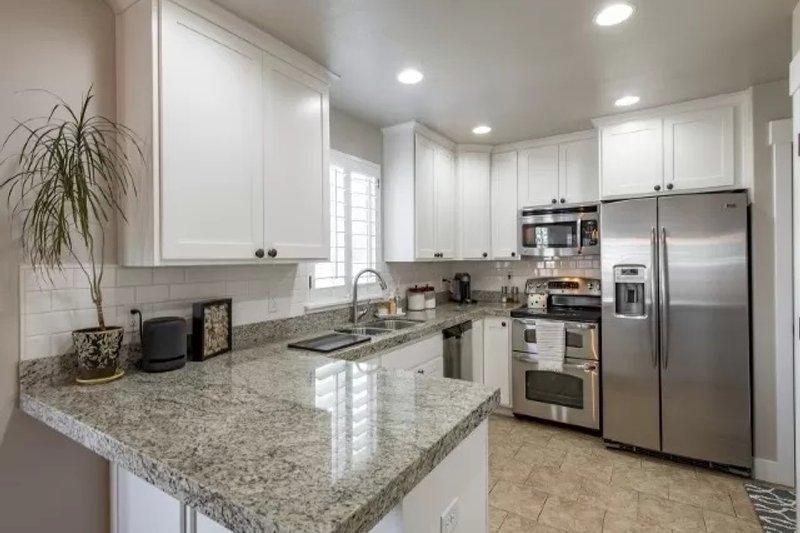Dream House Plan - Traditional Interior - Kitchen Plan #1060-4