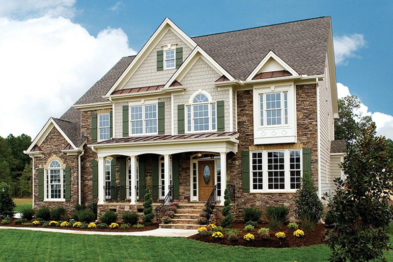Traditional Exterior - Front Elevation Plan #927-32 - Houseplans.com