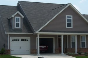 Traditional Exterior - Front Elevation Plan #63-239