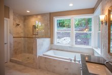 Ranch Interior - Master Bathroom Plan #1070-9