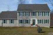 Colonial Style House Plan - 3 Beds 2.5 Baths 1788 Sq/Ft Plan #75-159 Exterior - Front Elevation