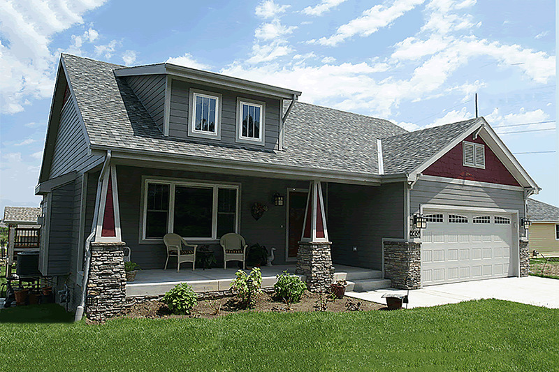Cottage Style House Plan - 3 Beds 2 Baths 1195 Sq/Ft Plan #20-1205 Exterior - Front Elevation