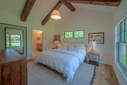 Craftsman Style House Plan - 4 Beds 2.5 Baths 2360 Sq/Ft Plan #901-138 Interior - Master Bedroom